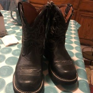 Ariat boots size 9